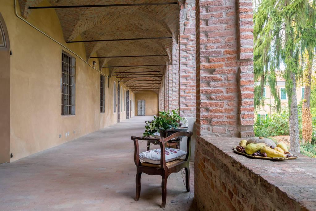 Palazzo storico, dormire in un ex convento a Casalmaggiore